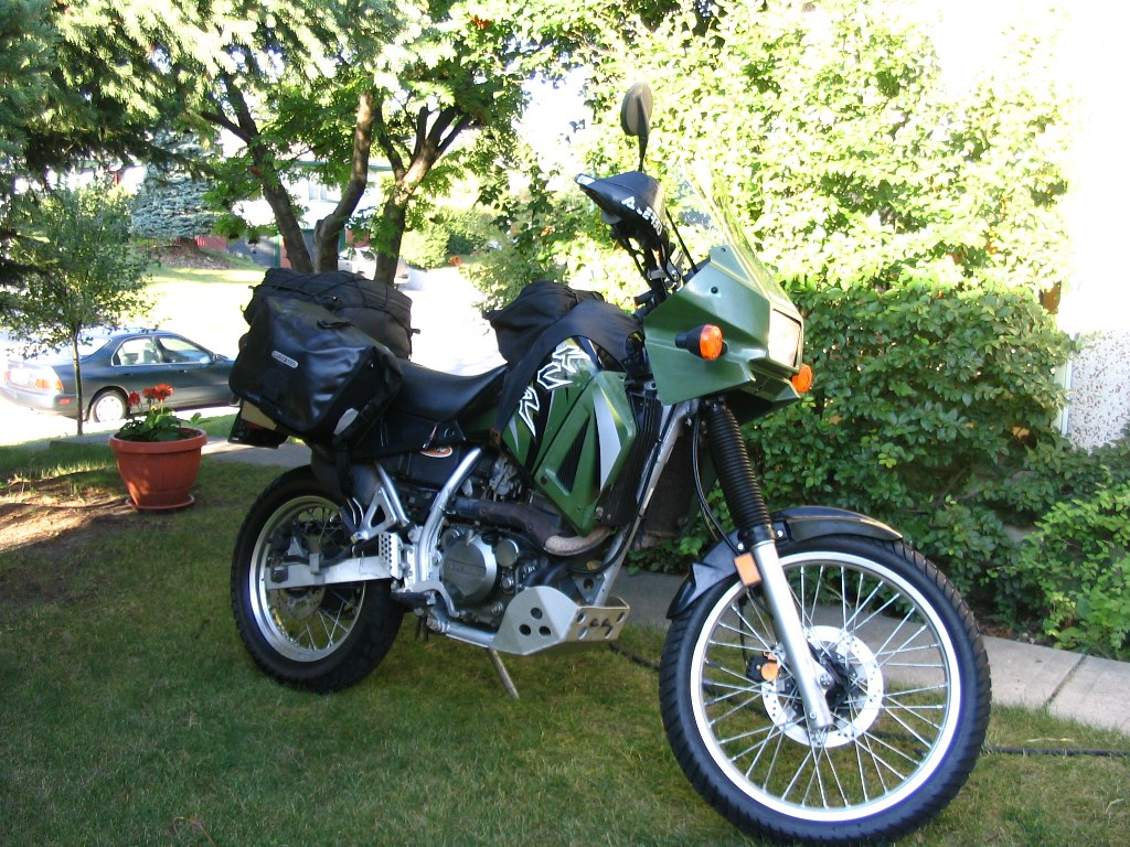 KLR packed and ready to kit the road